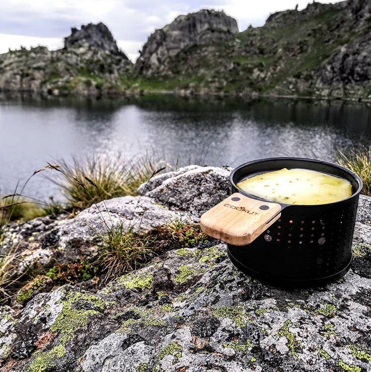 Raclette 4er Komplettset für Teelicht, Metall, Schwarz, Holzschaufel, Teller, 11 cm Durchmesser