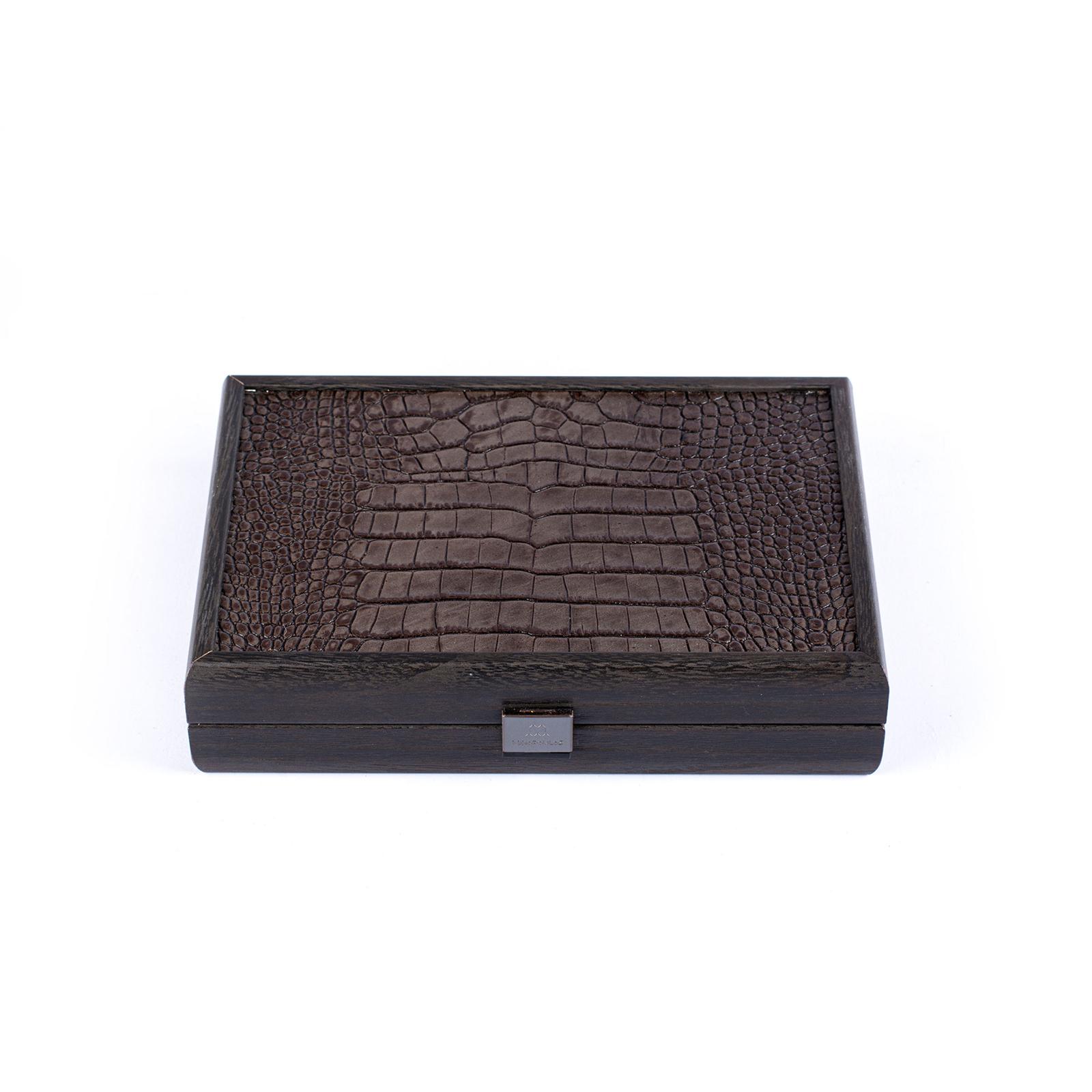 Spielkartenset in Holzbox mit Lederdeckel ausgelegt mit feinem Velour